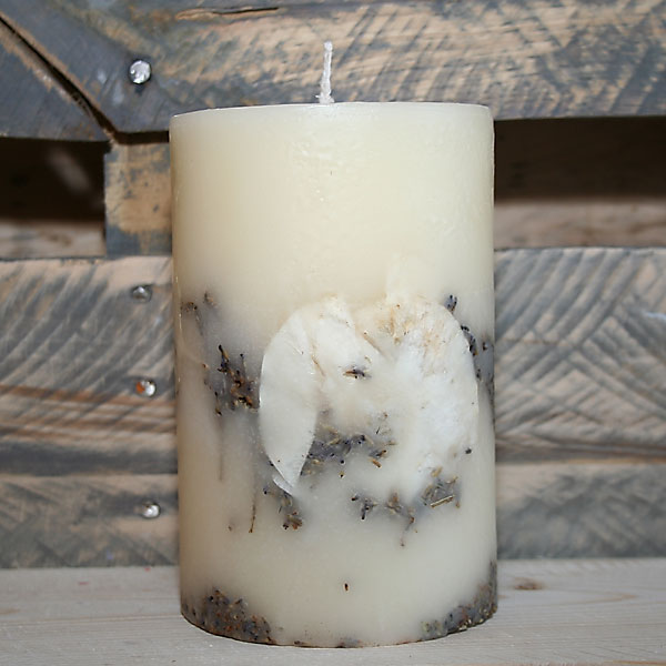 French Linen Scented Candle