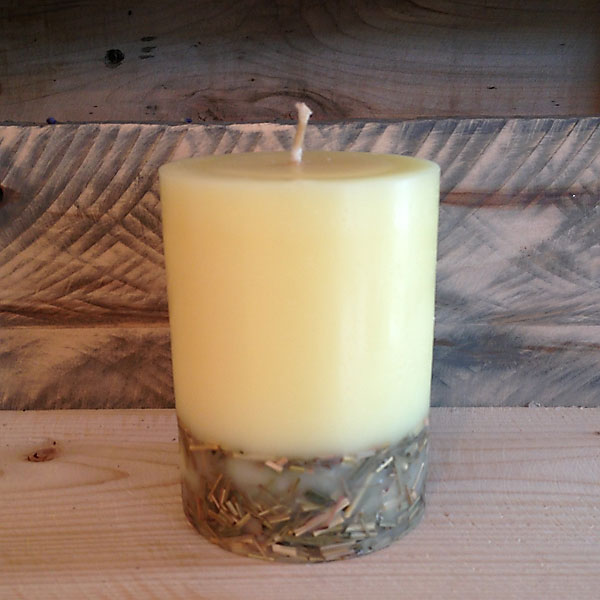 organic lemongrass scented candle