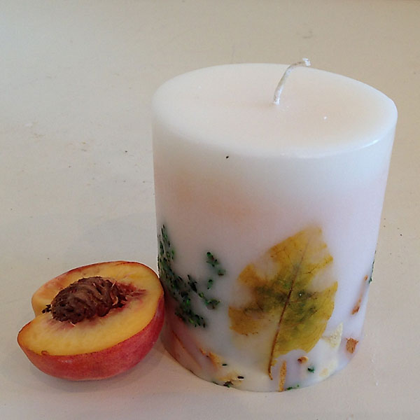 White Peach 4x4.5 round candle