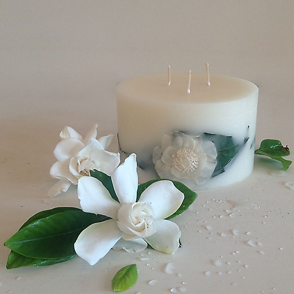 Gardenia Rain 6x3.5 Round scented candle