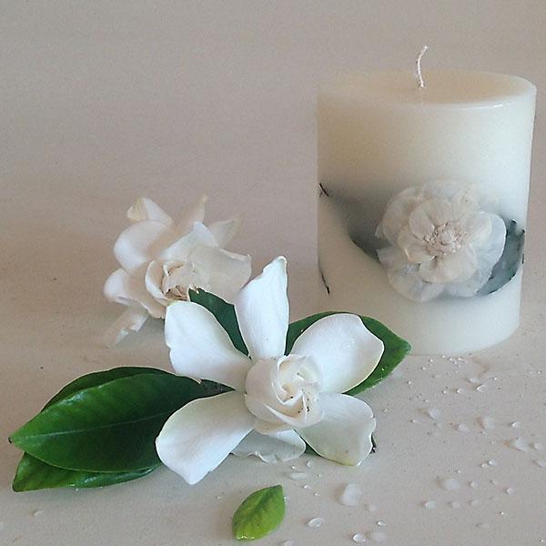 Gardenia Rain 4x4.5 round scented candle
