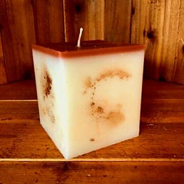 cinnamon apple bun scented candle 4x4.5 square